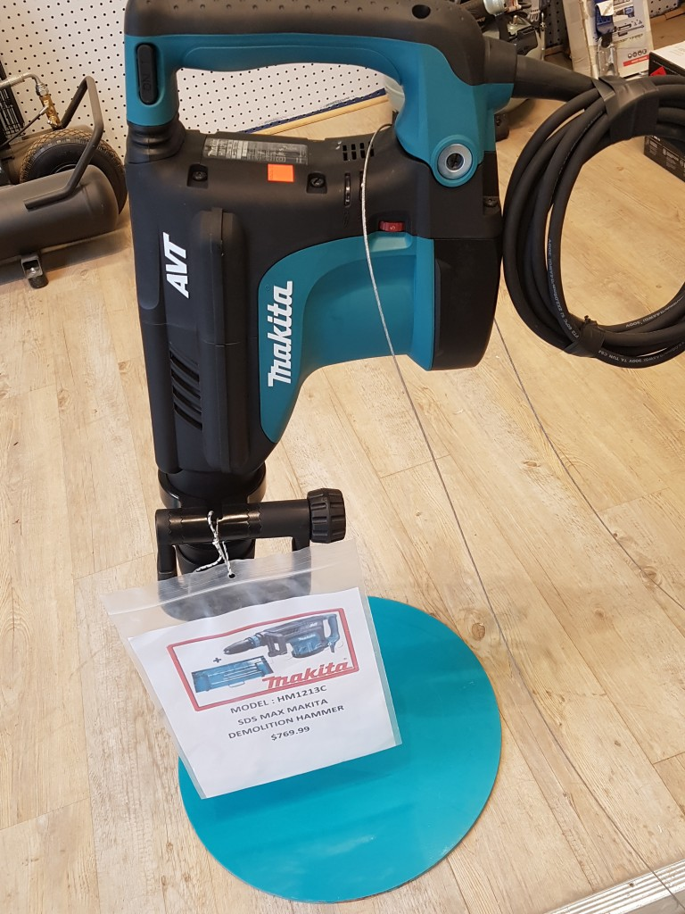 Makita Model HM1213C Demolition Hammer